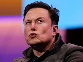 Elon Musk says a 'massive effort' is required to get Tesla driverless cars to '99.9999%' safety