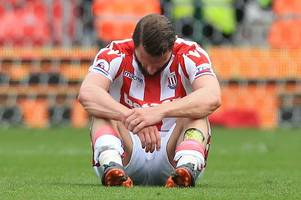 'what a waste, and we sign a 33-year-old to replace him' fans comment on erik pieters' stoke city exit