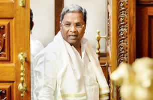 bjp's money-power behind karnataka turmoil: siddaramaiah