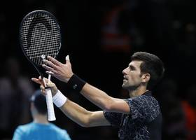 djokovic heads to wimbledon semifinals for 9th time