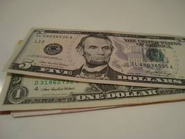 Dollar soft after Powell bolsters Fed rate cut bets