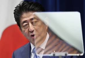 shinzo abe should mend ties with south korea, not start new trade war