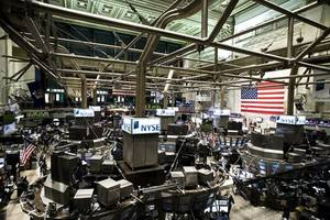 Wall Street touches new highs after comments by Fed's Powell