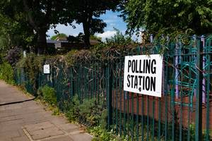 Government taken to court by EU citizens denied right to vote