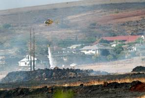 thousands evacuated from maui towns over hawaii wildfire