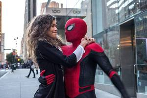 'spider-man: far from home' ensnares 'stuber' and 'crawl' at box office