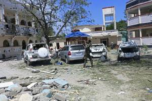 at least 26 killed in hotel suicide attack in somalia