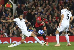 manchester united lower romelu lukaku's chances of leaving after demanding £90m fee from inter