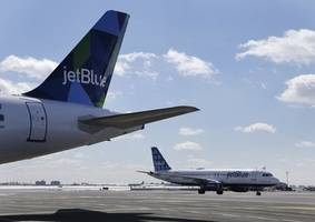 jetblue flight evacuated at newark airport after suicide vest photo airdropped to passenger iphones
