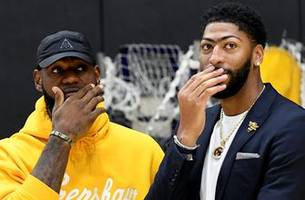 Nick Wright: Lakers reloaded roster have 'the most upside of any roster in basketball'