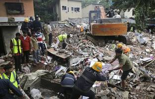 india: several killed in building collapse after monsoon rains