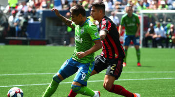 sounders beat atlanta to remain unbeaten at home, red bulls win hudson river derby