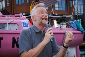 Billy Bragg 'glad' to see young people at fore of Extinction Rebellion protest