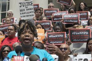 DOJ: New York Police Officer Will Not Face Federal Charges Over Eric Garner's Death