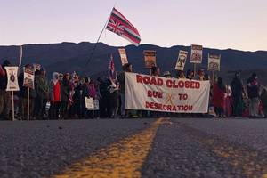 police arrest hawaiian protesters, including elders, trying to block telescope construction