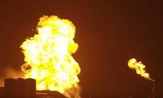 starhopper goes up in flames during spacex test