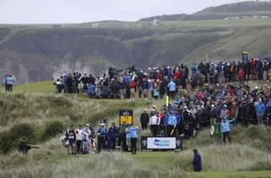 A bad swing, a big mistake and a 14 for Duval at Portrush