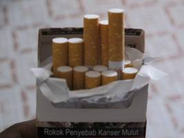 amputee makes shocking find of own picture on cigarette packets