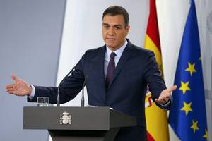 spain pm says does not want far-left leader in his government