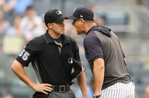 Aaron Boone ejected after arguing with umpire in win over Rays