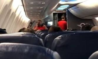 southwest fliers have musical take-off thanks to talented flight attendant