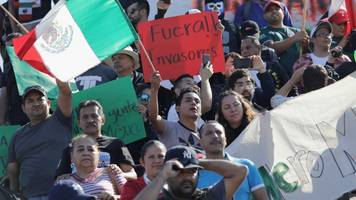 Poll Shows Mexican Residents Are Losing Their Tolerance For Migrants