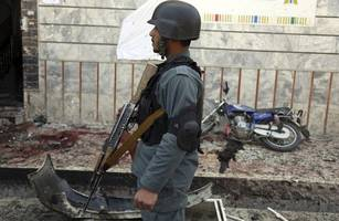 afghanistan: at least 2 killed, 10 injured in explosion near kabul university