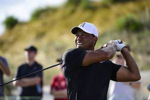 tiger woods misses cut as sa star justin harding fires a 65 at the open