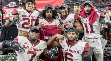 'horns down' is already this year's most controversial college football celebration