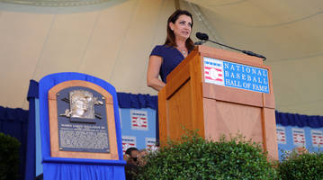 brandy halladay gives emotional speech for late husband roy at hall of fame induction