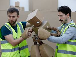 amazon's intense warehouse working conditions are being turned into a play featuring a robot made from delivery boxes