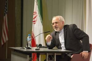 Zarif slams US double standards on nuclear program