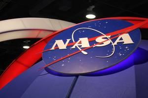 bezos, musk to help nasa land first woman and next man on moon