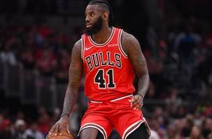 pacers sign veteran jakarr sampson to a contract