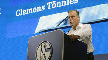 schalke chairman apologizes for racist comments surrounding africa
