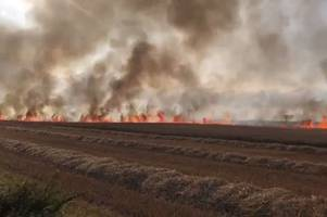 arson blamed for huge fire that tore through humberston fields threatening homes and caravan parks