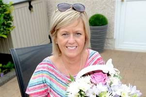 daughter battling brain tumour nominates her mum as flowers competition winner