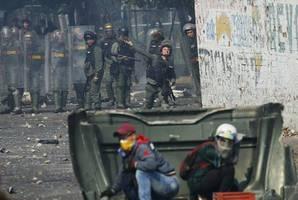 human rights watch warns of escalating violence near colombia-venezuela border