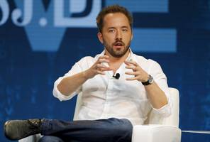 dropbox plummets after reporting disappointing user growth (dbx)
