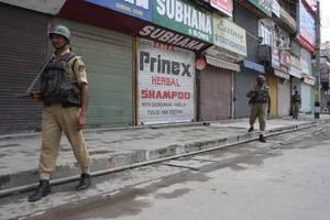 UN chief asks India, Pakistan not to change Kashmir status