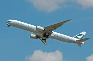 cathay pacific says workers who protest will be suspended from mainland china flights