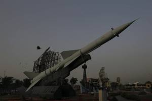 pakistan moves military equipment to base near indian border - reports