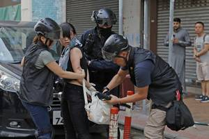 police in hong kong are brutally repressing democracy – and britain is arming them | ...