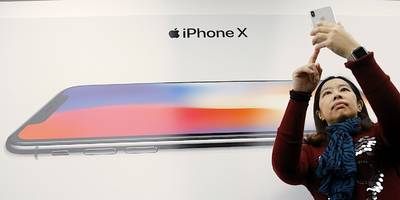 apple surges after the us delays tariffs on cellphones and laptops (aapl)