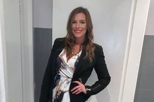 mum-of-two drops five dress sizes after hating reflection in mirror