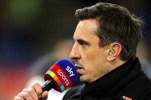'Fuming' Furious Gary Neville rips into Manchester United players about Wolves penalty error