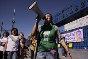 court absolves woman in controversial abortion trial in el salvador