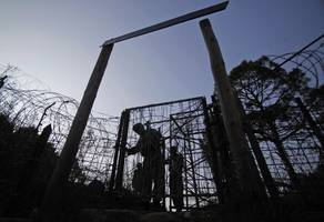 at least one person killed after pakistan and india exchange heavy firing, shelling across loc