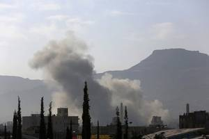 fighting continues on two separate fronts in yemen