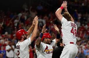 cardinals' sixth-inning rally leads to 9-4 victory over brewers
